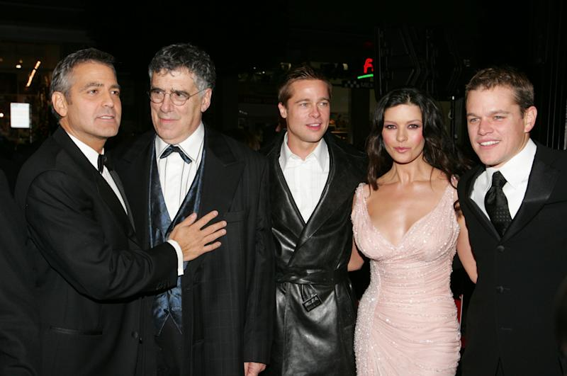 "HOLLYWOOD - DECEMBER 8: (L-R) Actors George Clooney, Elliot Gould, Brad Pitt, Catherine Zeta-Jones and Matt Damon arrive at the Warner Bros. premiere of the film ""Ocean's Twelve"" at Grauman's Chinese Theatre December 8, 2004 in Hollywood, California. (Photo by Carlo Allegri\Getty Images)"
