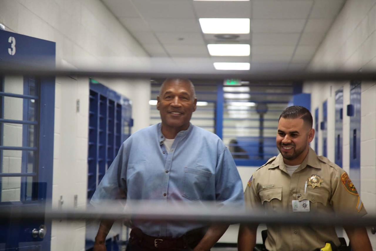 <p>O.J. Simpson (L) arrives for his parole hearing in at Lovelock Correctional Centre in Lovelock, Nevada, U.S. July 20, 2017. (Sholeh Moll/Nevada Department of Transportation/Reuters) </p>