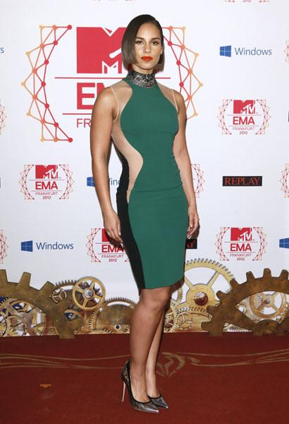 <b>Best dressed: Alicia Keys</b><br><br>The <i>Fallin'</i> singer opted for the celeb fave, Stella McCartney tri-colour 'Miracle' dress, for her turn on the red carpet. We like how she's sexed up the look with an embellished choker and silver Gianvito Rossi pumps.