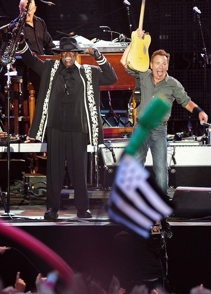 Clarence Clemons performs with Bruce Springsteen and the E Street Band in 2009. (Photo: FRED TANNEAU/AFP via Getty Images)