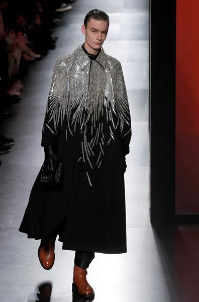 Dior sparks mayhem with couture-infused Paris menswear show