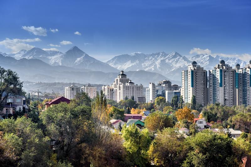 Almaty: spectacular setting, low prices - podgorakz - Fotolia