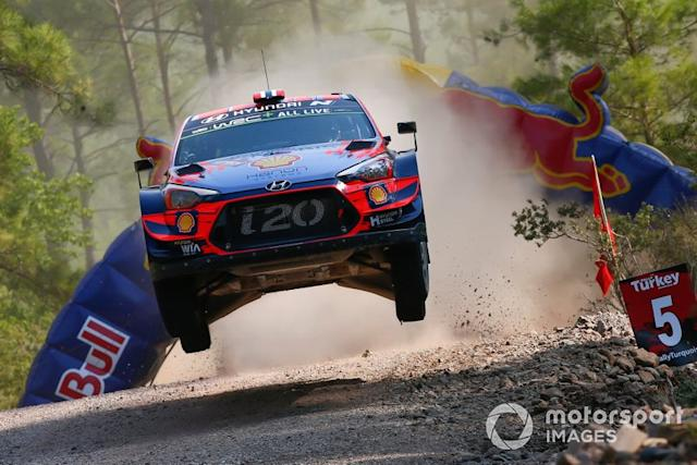 "Andreas Mikkelsen, Anders Jæger, Hyundai Motorsport Hyundai i20 Coupe WRC <span class=""copyright"">McKlein / LAT Images</span>"