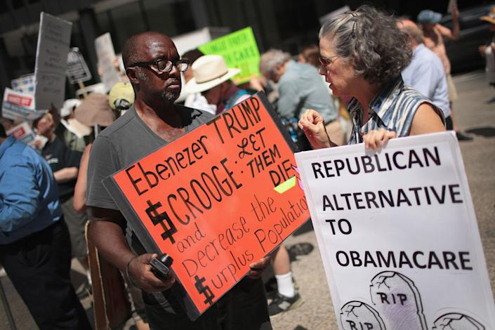 <p>Demonstrators protest changes to the Affordable Care Act on June 22, 2017 in Chicago, Ill. (Photo: Scott Olson/Getty Images) </p>
