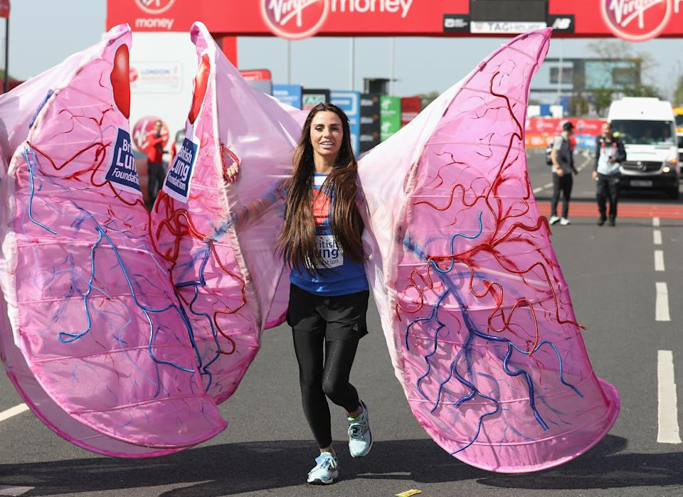 Katie poses for a photo ahead of participating in The Virgin London Marathon on April 22, 2018. (Getty)