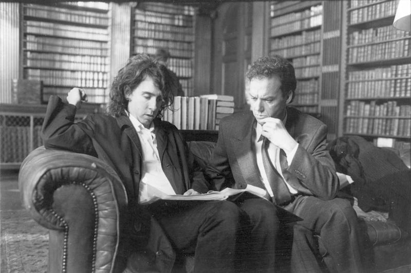 Tim Burton and Michael Keaton on the set of 'Batman' (Photo: Mary Evans/GUBER PETERS CO / POLYGRAM FILMED ENTERTAINMENT / WARNER BRO/Ronald Grant/Everett Collection)