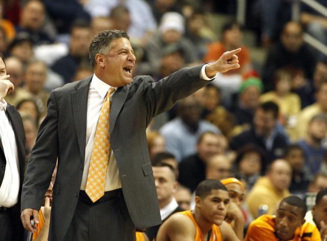 PITTSBURGH, PA - DECEMBER 11: Tennessee Volunteers head coach Bruce Pearl directs his team against the Pittsburgh Panthers during the SEC/BIG EAST Invitational at Consol Energy Center on December 11, 2010 in Pittsburgh, Pennsylvania.The Volunteers defeated the Panthers 83-76. (Photo by Justin K. Aller/Getty Images)