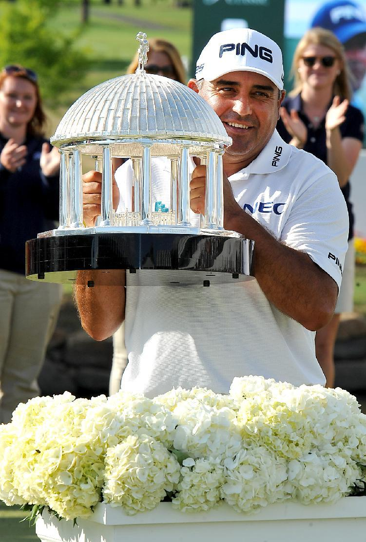 Angel Cabrera builds momentum for British Open