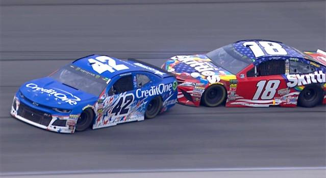 Kyle Busch bumps Kyle Larson at Chicago