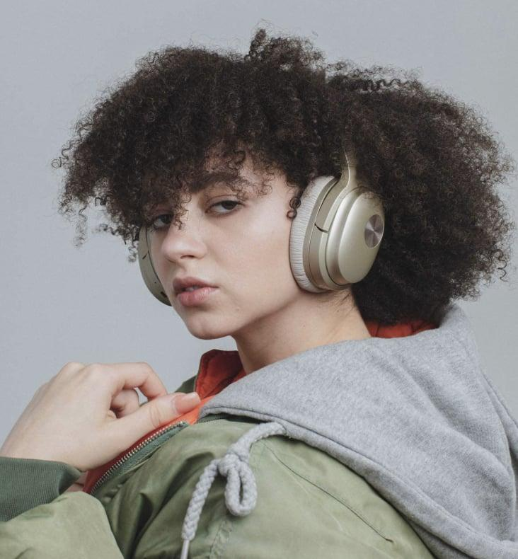 <p>The gold finish on these <span>Cowin Active Noise Cancelling Headphones</span> ($110) makes them look so luxe.</p>