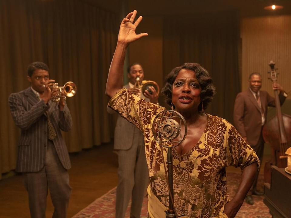 "Viola Davis als Ma Rainey in ""Ma Rainey's Black Bottom"". (Bild: David Lee/Netflix)"