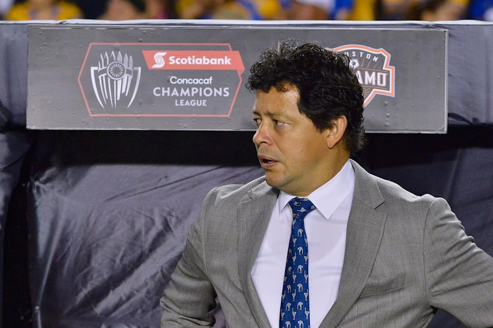 MONTERREY, MEXICO - MARCH 12: Wilmer Cabrera, coach of Houston Dynamo, is seen on the bench prior the match between Tigres UANL and Houston Dynamo as part of the CONCACAF Champions League at Universitario Stadium on March 12, 2019 in Monterrey, Mexico. (Photo by Azael Rodriguez/Getty Images)