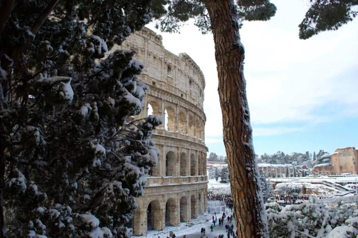 How Rome responded to a very rare snowfall
