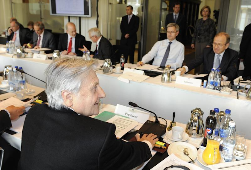 In this photo made available from the Bank of Finland, showing President Jean-Claude Trichet, front left, of the European Central Bank, faces Governor of the Bank of Finland Erkki Liikanen, right,  and Governor of Eesti Pank Andres Lipstok, at the start of the Governing Council meeting of the ECB, in Helsinki, Finland, on Thursday May 5, 2011. (AP Photo / Bank of Finland, Markku Ulander)  FINLAND OUT - NO SALES - EDITORIAL USE ONLY