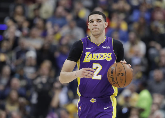 "<a class=""link rapid-noclick-resp"" href=""/nba/teams/lal"" data-ylk=""slk:Lakers"">Lakers</a> guard <a class=""link rapid-noclick-resp"" href=""/nba/players/5764/"" data-ylk=""slk:Lonzo Ball"">Lonzo Ball</a> had arthroscopic surgery on his injured left knee Tuesday and is expected to recover in time for training camp. (AP)"