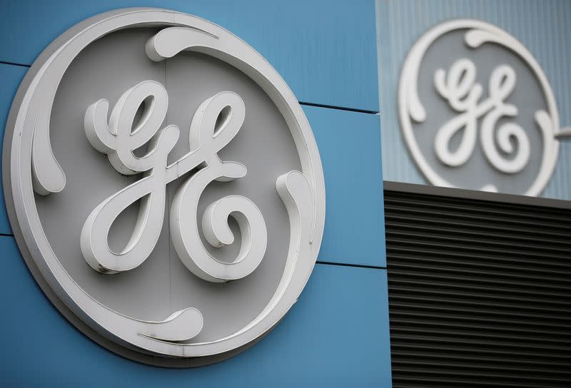 General Electric cash flow forecast disappoints, shares fall