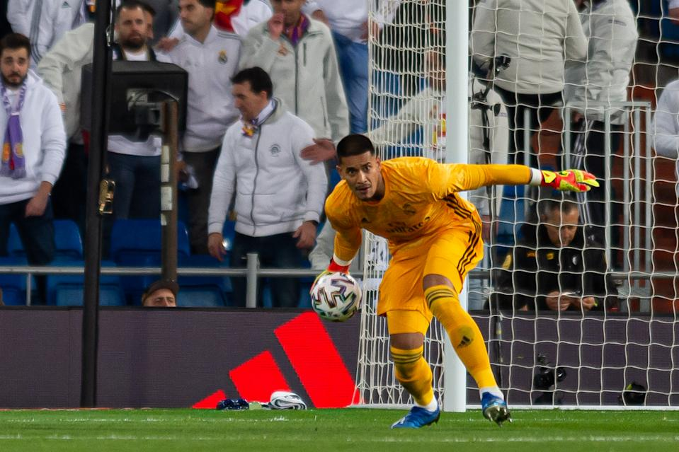 MADRID, SPAIN - FEBRUARY 06: (BILD ZEITUNG OUT) Goal Keeper Alphonse Areola of Real Madrid controls the ball during the Copa del Rey match between Real Madrid and Real Sociedad at Estadio Santiago Bernabeu on February 06, 2020 in Madrid, Spain. (Photo by DeFodi Images via Getty Images)