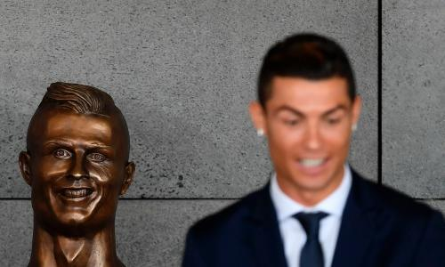 Cristiano Ronaldo sculptor: it is impossible to please everyone