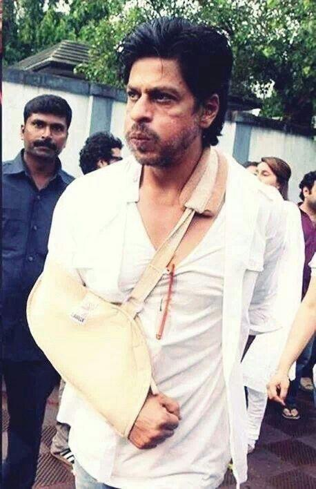 Shahrukh Khan SRK has undergone 8 surgeries including his ribs, ankle, knee, neck, eye and shoulder. However, nothing has deterred him from being the Bollywood Badshah!