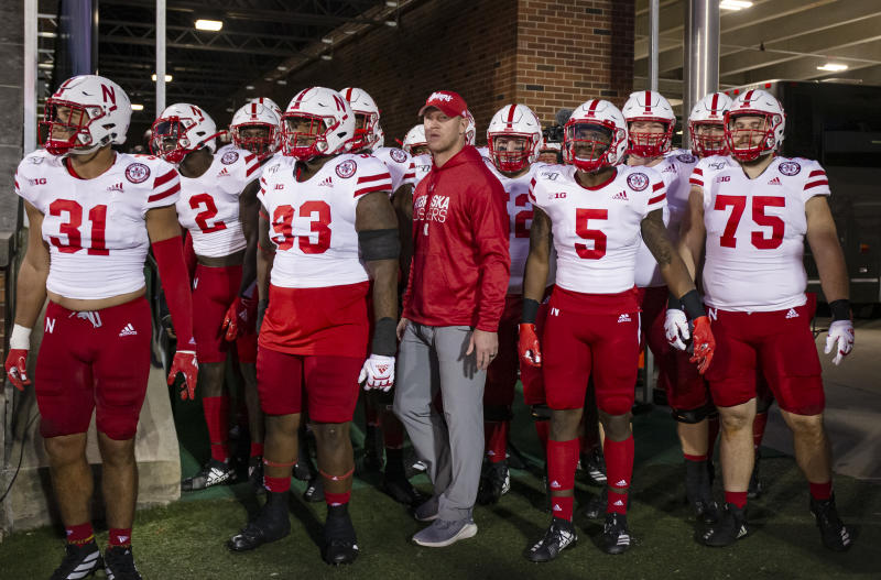 Scott Frost and Nebraska Cornhuskers pre-review a game on September 21, 2019. (Michael Hickey / Getty Images)