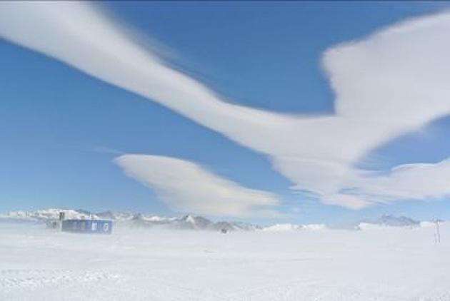 A view of the lenticular clouds from the South Pole.
