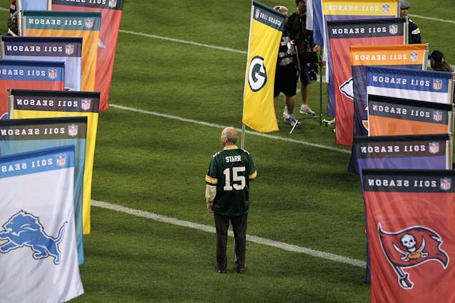 GREEN BAY, WI - SEPTEMBER 08: Green Bay Packers legend Bart Starr stands on the field before the season opening game between the New Orleans Saints and the Green Bay Packers at Lambeau Field on September 8, 2011 in Green Bay, Wisconsin. (Photo by Jonathan Daniel/Getty Images)