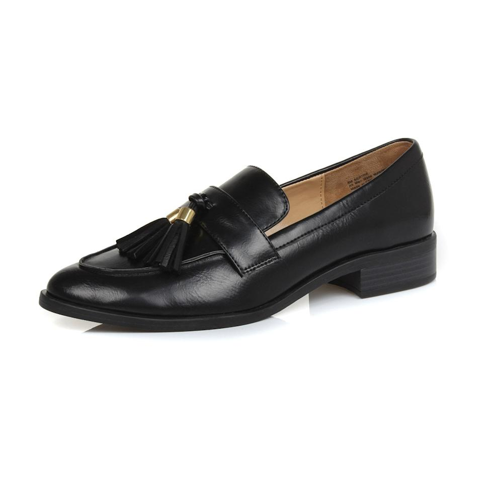 "<p>These <a href=""https://www.popsugar.com/buy/Dunion-Brandon-Penny-Loafers-484648?p_name=Dunion%20Brandon%20Penny%20Loafers&retailer=amazon.com&pid=484648&price=35&evar1=fab%3Aus&evar9=46550370&evar98=https%3A%2F%2Fwww.popsugar.com%2Ffashion%2Fphoto-gallery%2F46550370%2Fimage%2F46551216%2FDunion-Brandon-Penny-Loafers&list1=shopping%2Cfall%20fashion%2Camazon%2C50%20under%20%2450&prop13=mobile&pdata=1"" rel=""nofollow"" data-shoppable-link=""1"" target=""_blank"" class=""ga-track"" data-ga-category=""Related"" data-ga-label=""https://www.amazon.com/DUNION-Womens-Bertha-Comfortable-Loafers/dp/B07C1JNV4K/ref=sr_1_19?crid=4M68TOUL281C&amp;keywords=loafers%2Bfor%2Bwomen&amp;qid=1566929063&amp;refinements=p_36%3A-5000&amp;rnid=2661611011&amp;s=apparel&amp;sprefix=loafers%2Caps%2C218&amp;sr=1-19&amp;th=1&amp;psc=1"" data-ga-action=""In-Line Links"">Dunion Brandon Penny Loafers</a> ($35) go with everything.</p>"