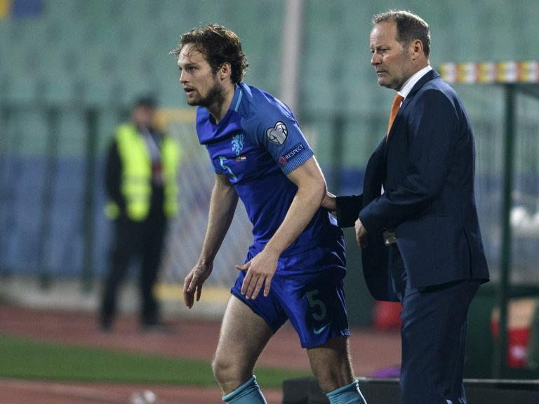 Manchester United's Daley Blind 'proud' of father Danny despite Netherlands sacking