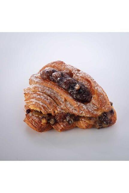 "<p><strong>Overall Score: 92/100 </strong> </p><p>Top of the alternative mince pie leader board is this crispy, flaky croissant topped with fruity mincemeat and dusted with icing sugar. The flavour combination of buttery, rich croissant with a hint of salt, and sweet, tangy, lightly spiced apple and dried fruit filling made our testers' mouths water. The ultimate festive breakfast indulgence! </p><p><strong><a class=""body-btn-link"" href=""https://www.paul-uk.com/"" target=""_blank"">AVAILABLE IN STORE ONLY</a> PAUL, £2.65 for 1</strong></p>"