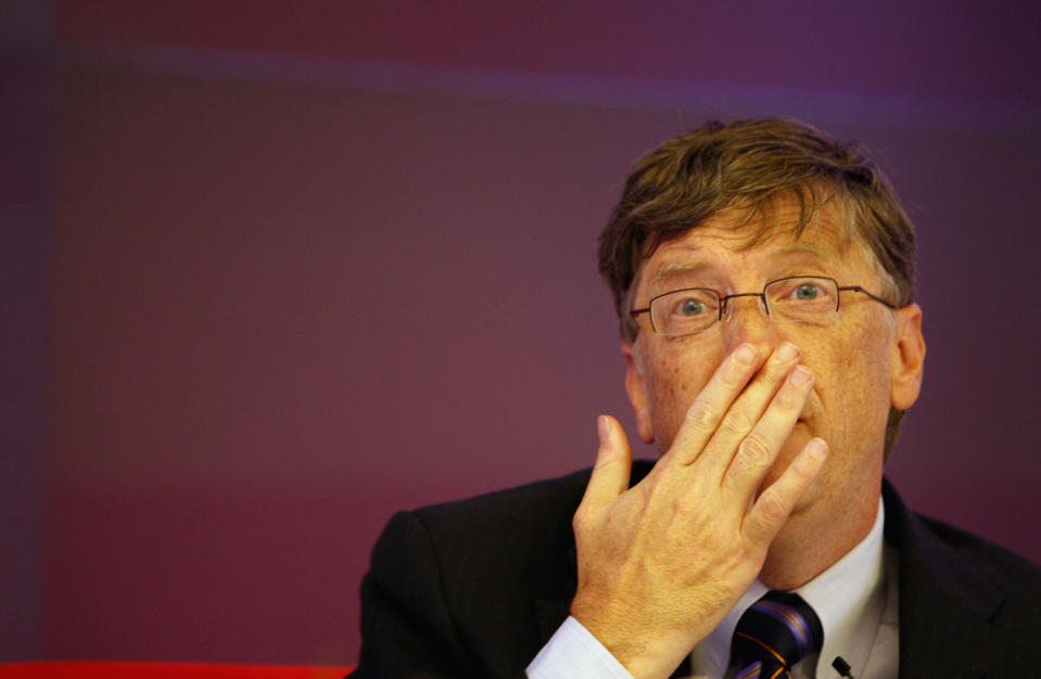 Microsoft founder Bill Gates addresses a press conference in New Delhi, India, Wednesday, Nov. 5, 2008. Gates spoke at length and answered journalists' queries about the Bill and Melinda Gates Foundation's involvement with polio eradication in India as well as other health programs. (AP Photo/Saurabh Das)