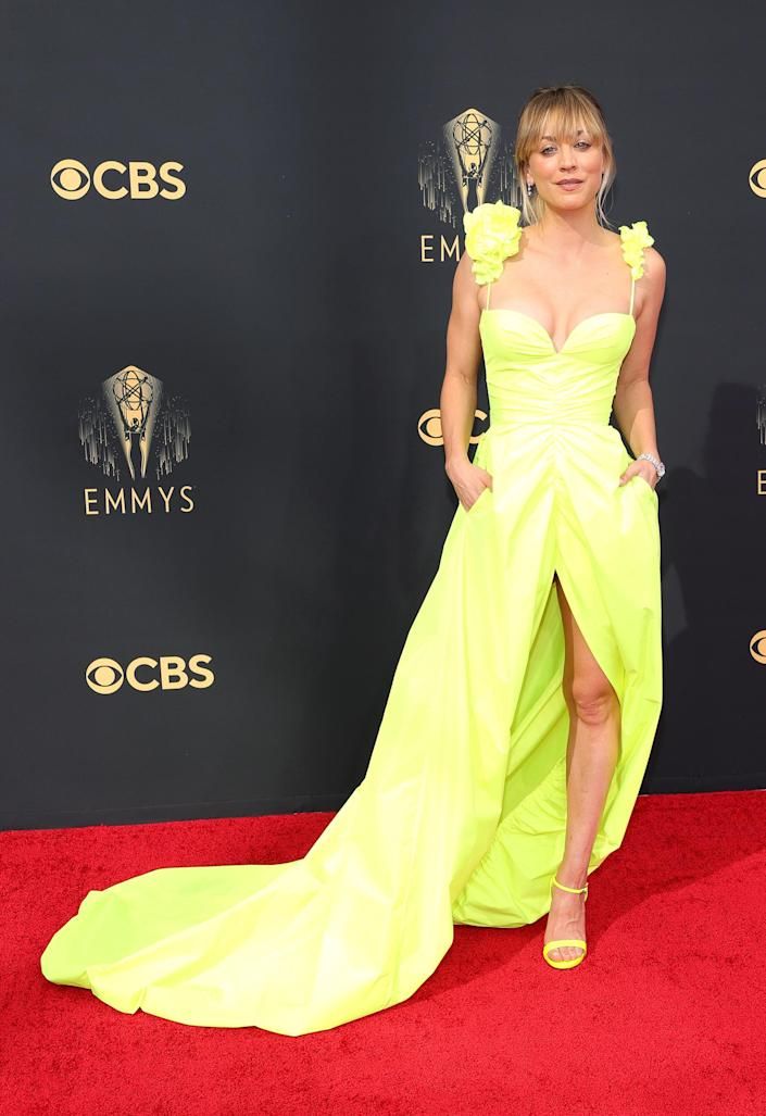 Kaley Cuoco Emmys red carpet 2021 (Rich Fury / Getty Images)