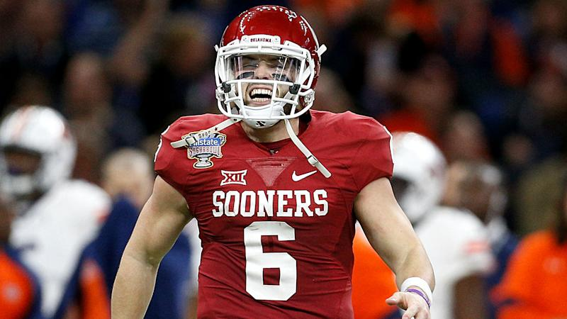 Oklahoma disciplines Baker Mayfield for obscene gesture