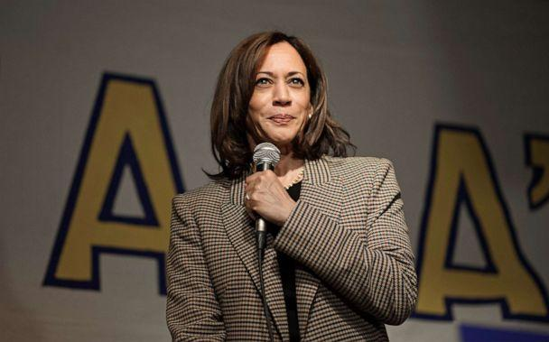 PHOTO: Senator Kamala Harris speaks during a meet and greet at the Missipi Brewing Co. Harris is one of 17 Democrats currently running for the presidential nomination. (Jeff Topping/Polaris)