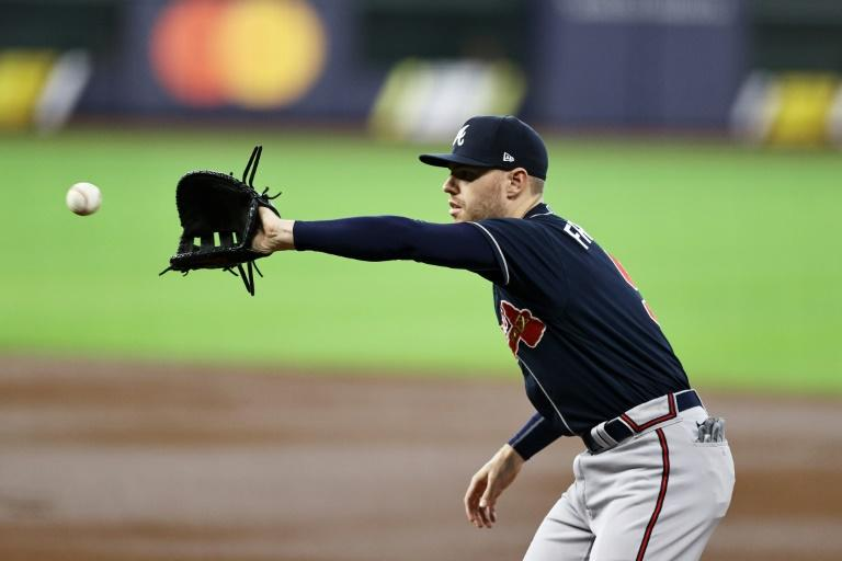 Dodgers, Braves chasing end to MLB title droughts