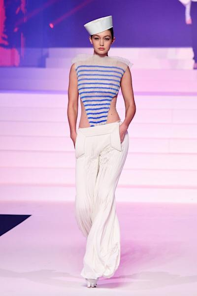 The 21-year-old model strutted down the catwalk in a bold printed bohemian-style ensemble.