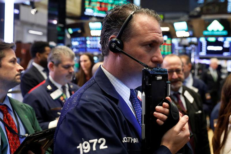 USA stocks close at record highs as government shutdown ends