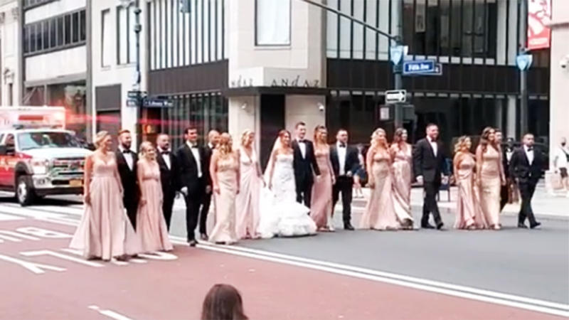 Wedding party of 19 in New York City on Fifth Avenue blocks traffic and ambulance no social distancing or masks