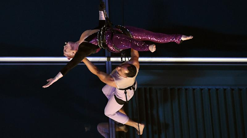Pink Did Flips Off A Building During Her AMAs Performance