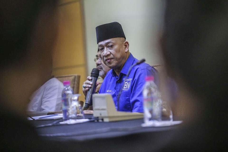 Nazri also confirmed a secret meeting between some Umno lawmakers at the Defence Ministry's Wisma Perwira here last Sunday night to express support for the PN government led by Prime Minister Tan Sri Muhyiddin Yassin. — Picture by Hari Anggara