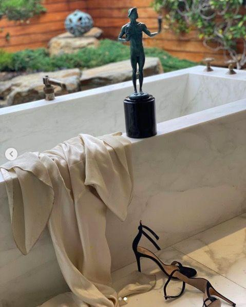 <p>The actress posted this snap to her Instagram after the SAG Awards and while we're happy for her win we can't stop looking at her very bouji bath. Is it outside? Is it comfortable? Did she get in it after this snap? So. Many. Questions. </p>