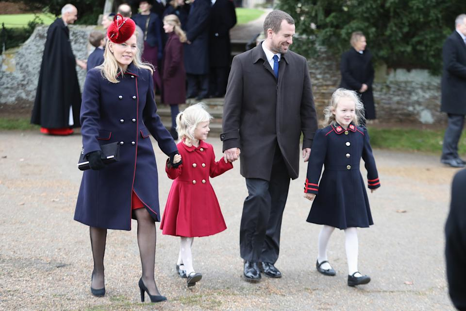 KING'S LYNN, ENGLAND - DECEMBER 25:  Autumn Phillips, Isla Phillips, Peter Philips and Savannah Phillips attend Christmas Day Church service at Church of St Mary Magdalene on December 25, 2017 in King's Lynn, England.  (Photo by Chris Jackson/Getty Images)