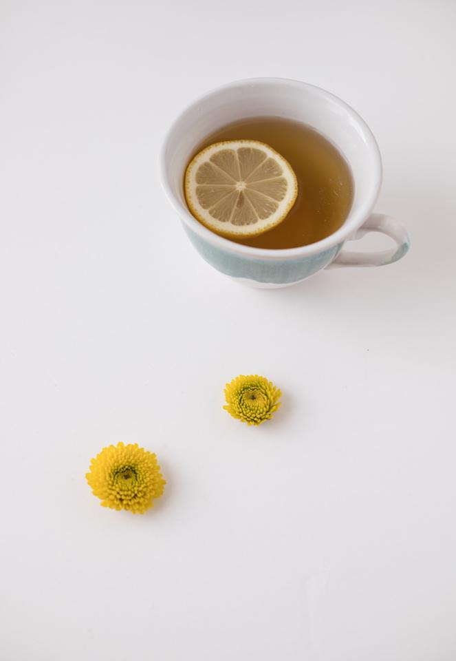 Having warm lemon water first thing in the morning encourages healthy digestion by loosening toxins in your digestive tract. It also helps to relieve symptoms of indigestion such as heartburn, burping, andbloating.
