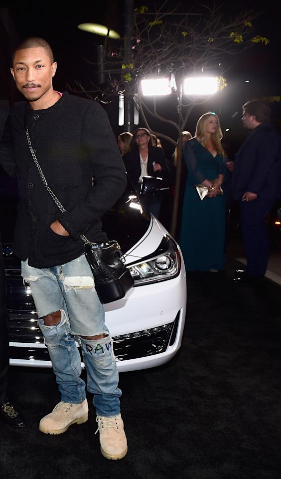 <p>Yes, the Gabrielle Hobo bag is also for guys!<br /> (Photo: Getty Images) </p>