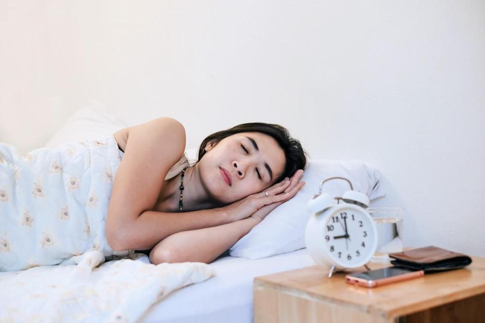 woman sleepy at 9.00 p.m. for good health