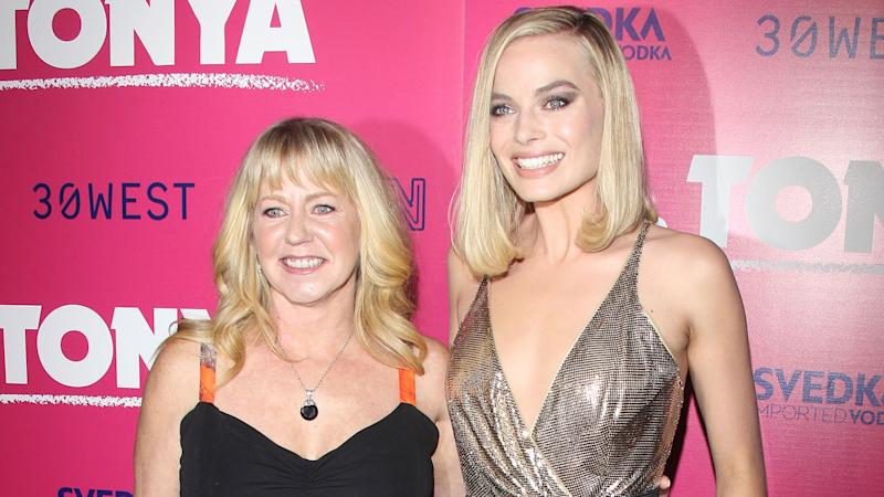 Margot Robbie wins gold as the controversial subject of subversive 'I, Tonya'