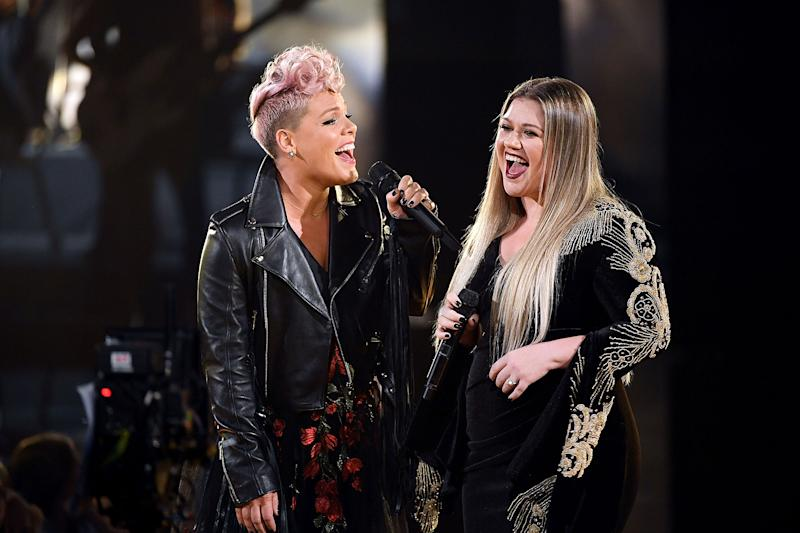 Pink and Kelly Clarkson Honor First Responders with an Epic 'Everybody Hurts' Duet to Open AMAs