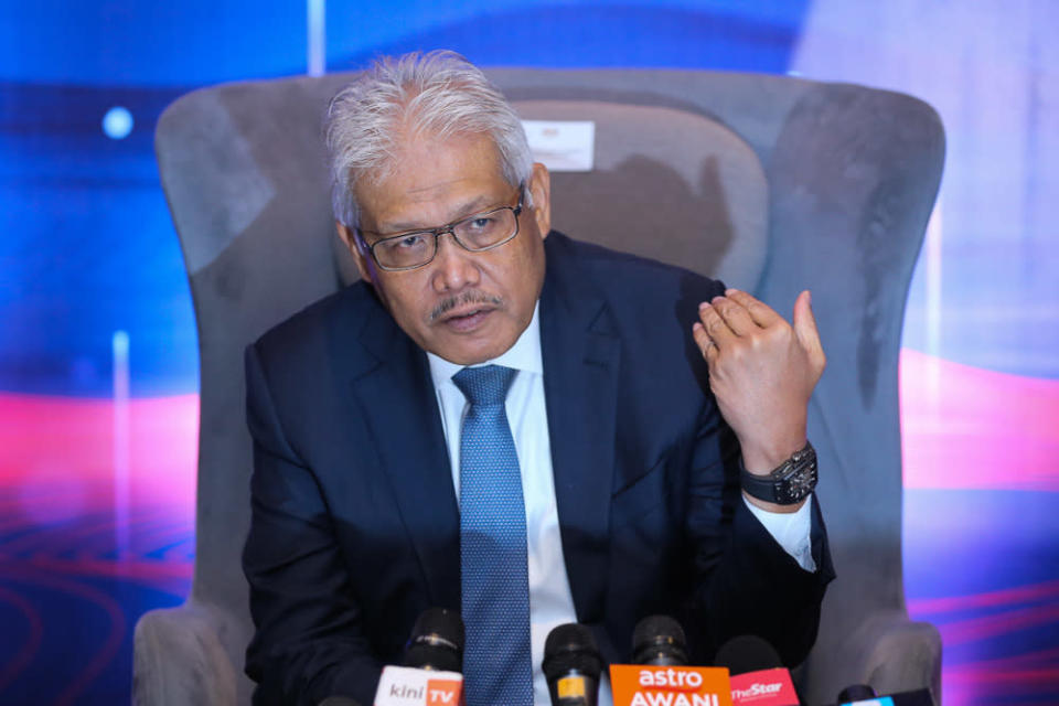 Datuk Hamzah Zainudin said Perikatan Nasional is a party that can accept anyone who wishes to follow all matters in the Constitution without any conditions, so it is the freedom for anyone to say, have views, enter or exit. — Picture by Yusof Mat Isa