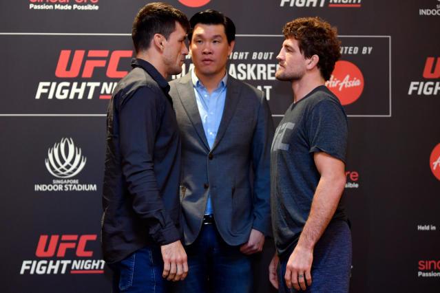 (L-R) Demian Maia and Ben Askren face off at the Mandarin Oriental on Oct. 24, 2019 in Singapore. (Getty Images)