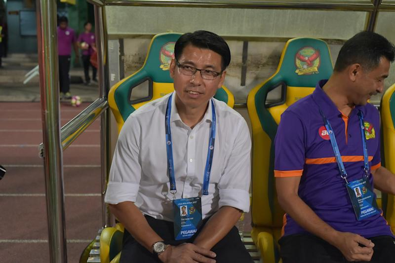 Tan accepts favourites tag in match against PKNP