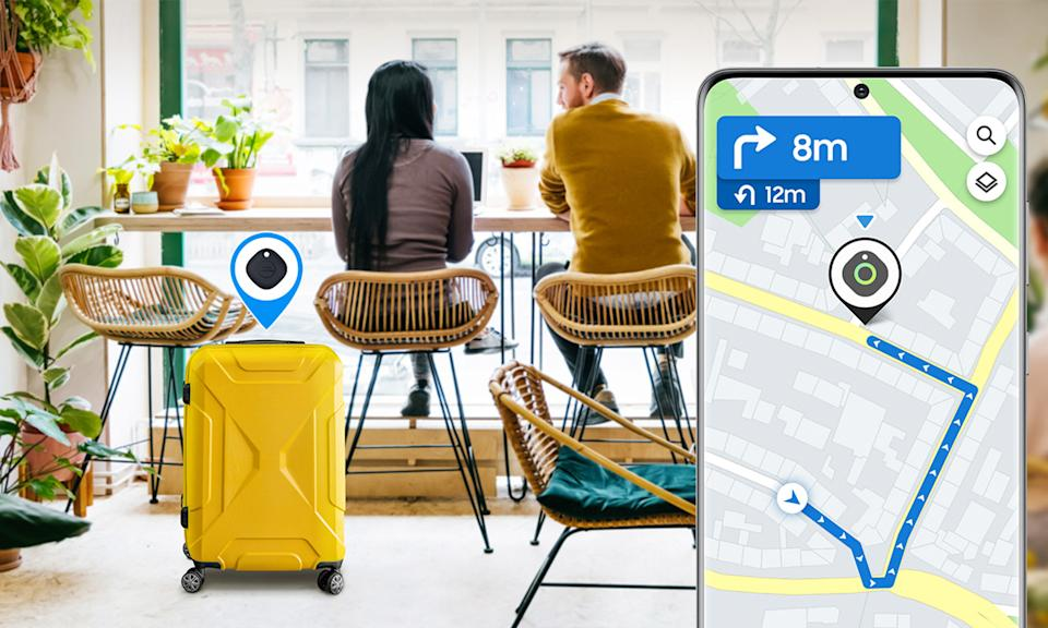 A press image for the Samsung Galaxy SmartTag showing a couple at a shop with luggage and a phone showing its location.
